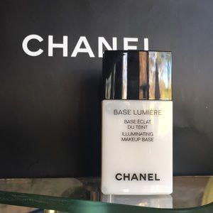 Chanel Base Lumiere